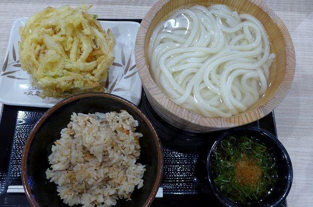 とり飯定食旨し、ボリュームも十分 丸亀製麺イオン札幌桑園店@札幌市