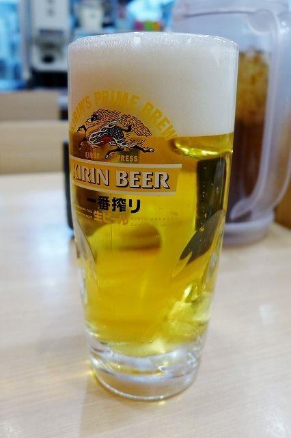 羽田空港で、天ぷら肴にちょい飲み 天丼てんや羽田空港第2ターミナル店