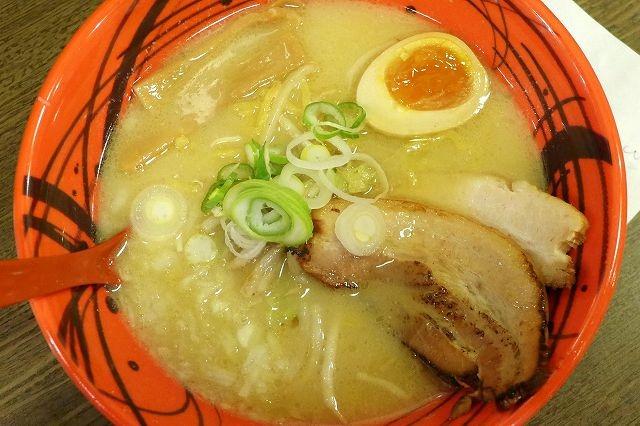鶏コラーゲンたっぷりのコッテリ&アッサリな味噌ラーメン 炙亭ぼたん@札幌らーめん共和国